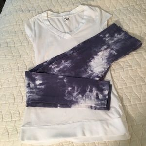 Bundle of 2: Vneck Tee and Leggings
